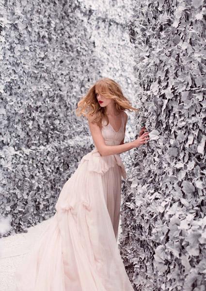 Laberinto paredes nevadas